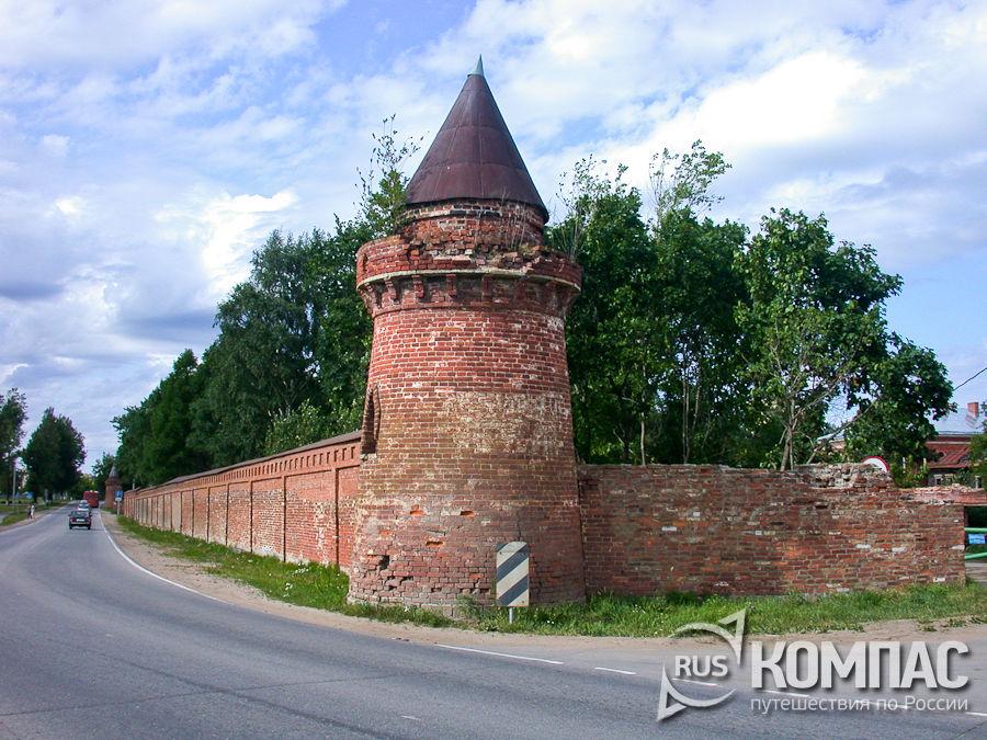Башня и ограда Староладожского Свято-Успенского девичьего монастыря