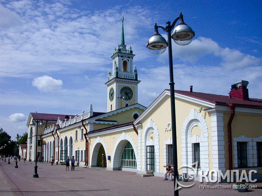 Вокзал, станция Волховстрой
