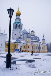 Колокольня Софийского собора и Воскресенский собор