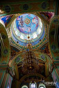 Внутреннее убранство собора. верхняя часть. фотография. альб.