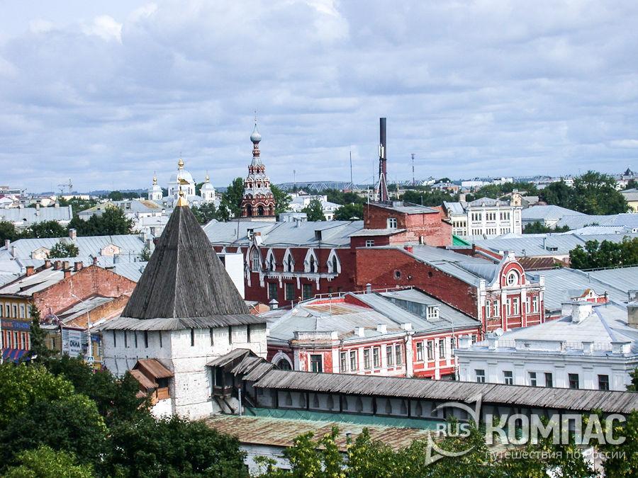 Вид на город со звонницы Спасо-Преображенского монастыря