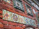 Изразцы на стенах трапезной Тихвинской церкви