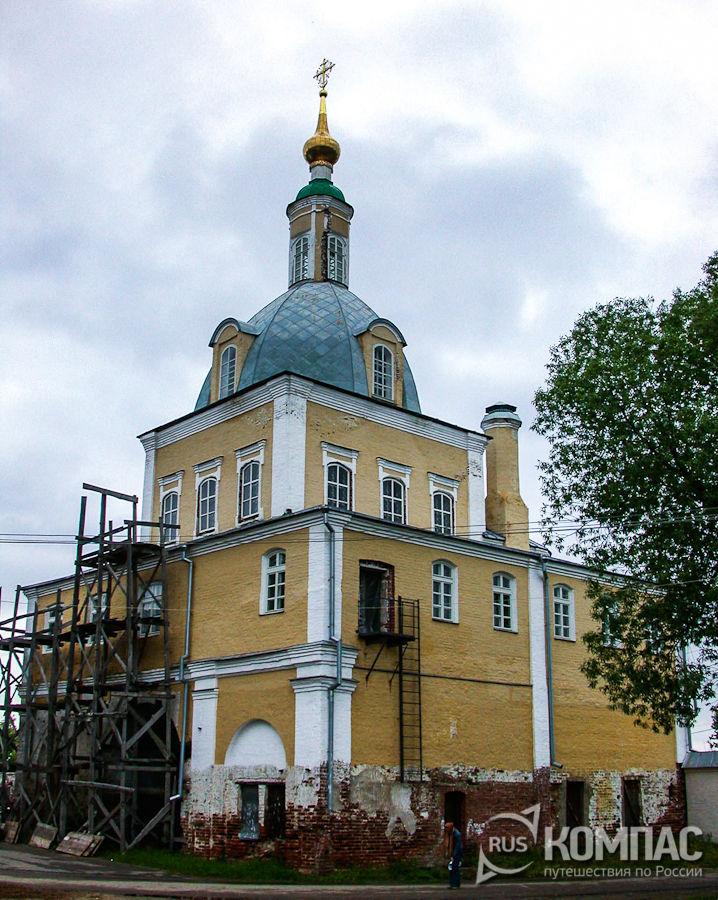 Надвратная церковь Петра и Павла