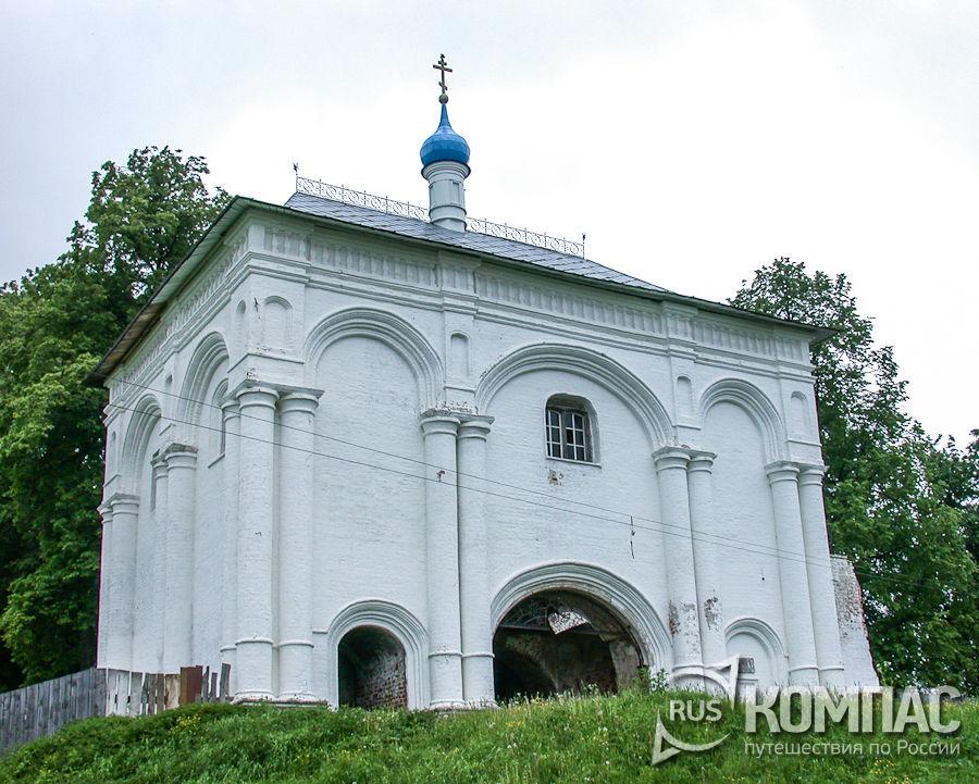 Надвратная Тихвинская церковь Троицкого Данилова монастыря
