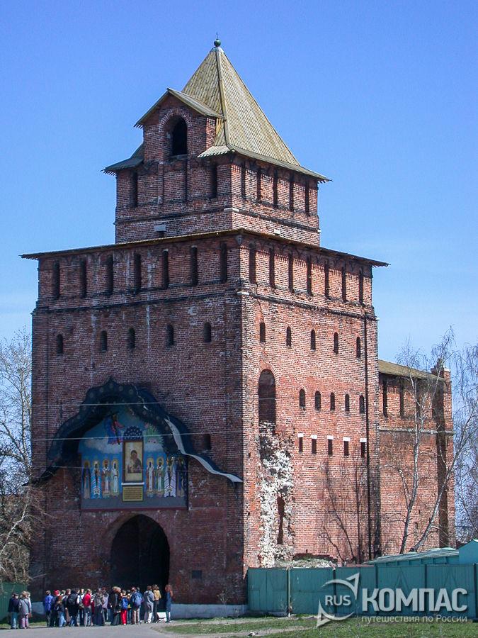 Пятницкие ворота Кремля