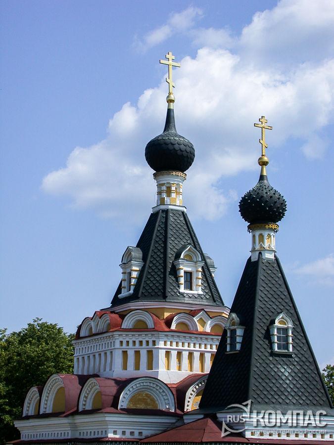 Купола Елизаветинской церкви