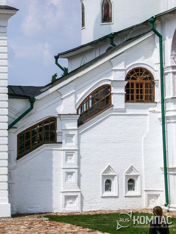Крытое крыльцо Успенского собора