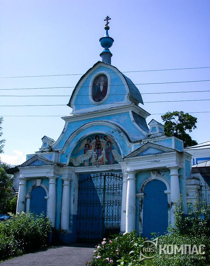Ворота Сретенской церкви в Кубинцево