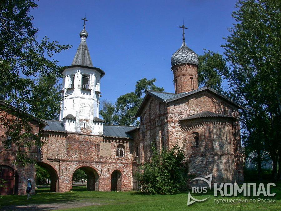 Ансамбль церквей Михаила Архангела и Благовещения на Торгу (на Витковом переулке)