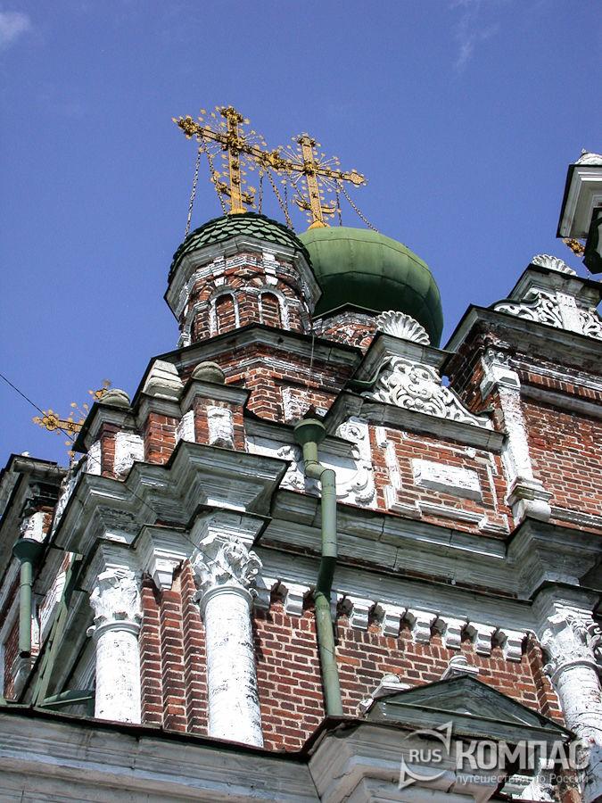Детали фасада церкви Смоленской Божьей Матери в Гордеевке