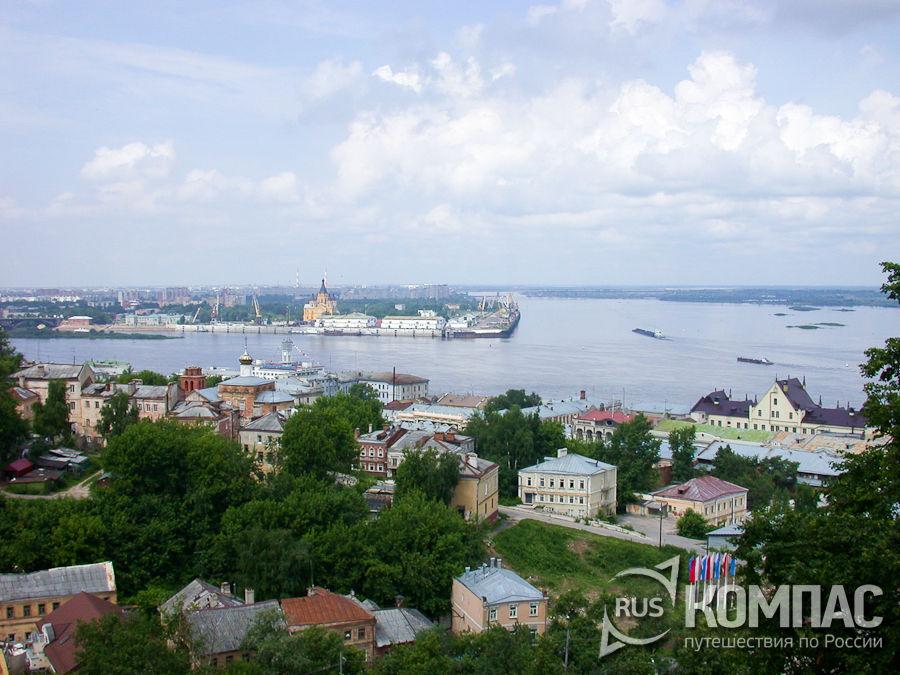 Вид от кремля на стрелку - место слияния Оки и Волги