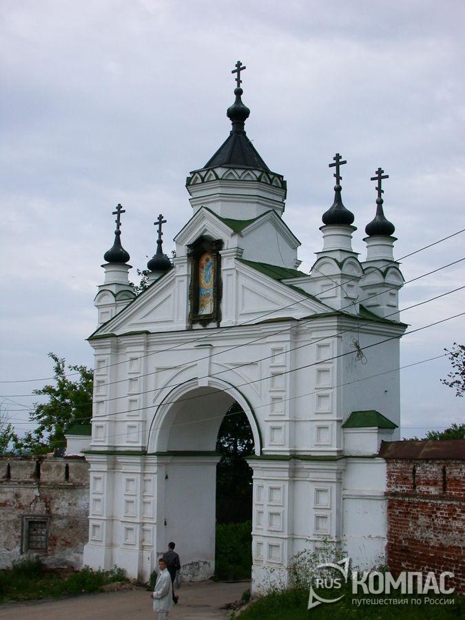 Святые ворота Вознесенского Печерского монастыря
