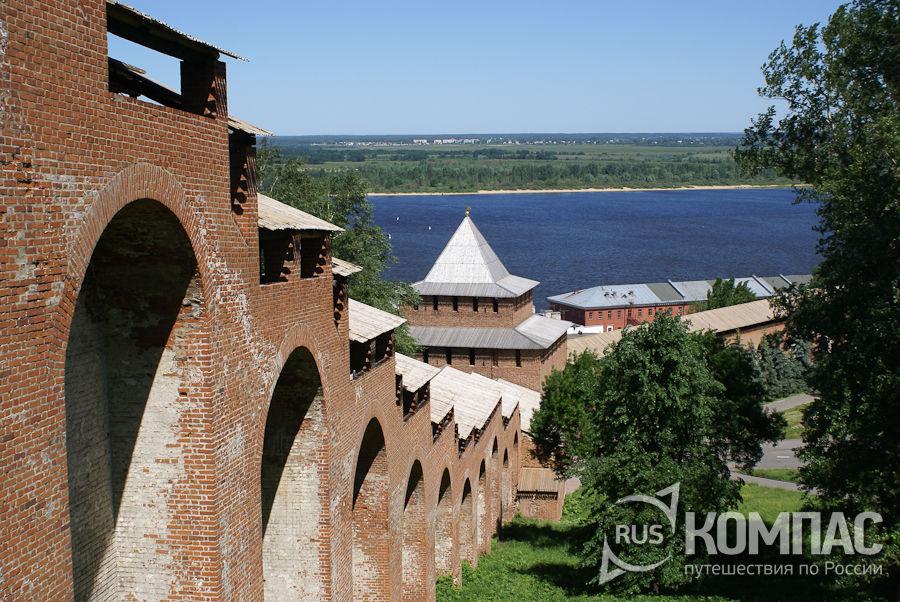 Уступы прясла между Часовой и Ивановской башнями