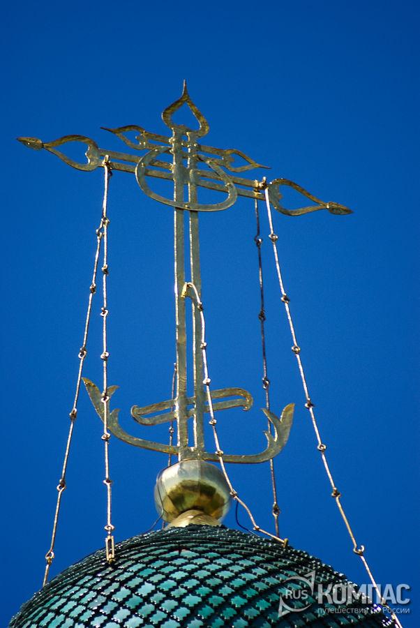 Крест на куполе Архангельского собора