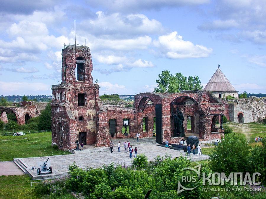Руины собора Рождества Иоанна Предтечи