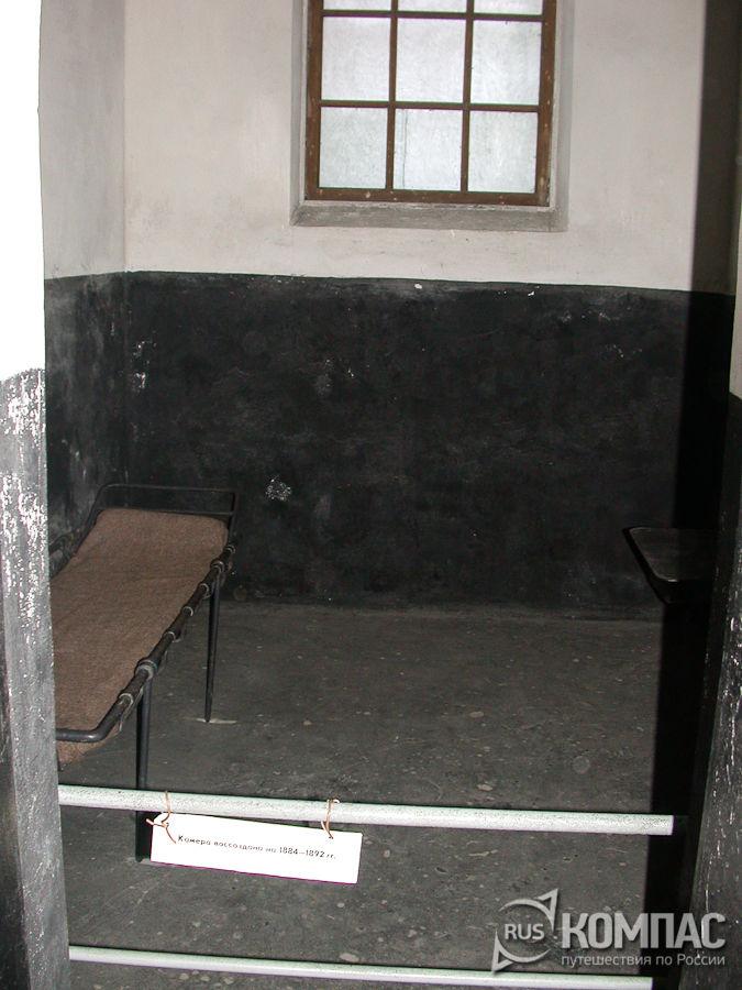В камере народовольческой (новой) тюрьмы
