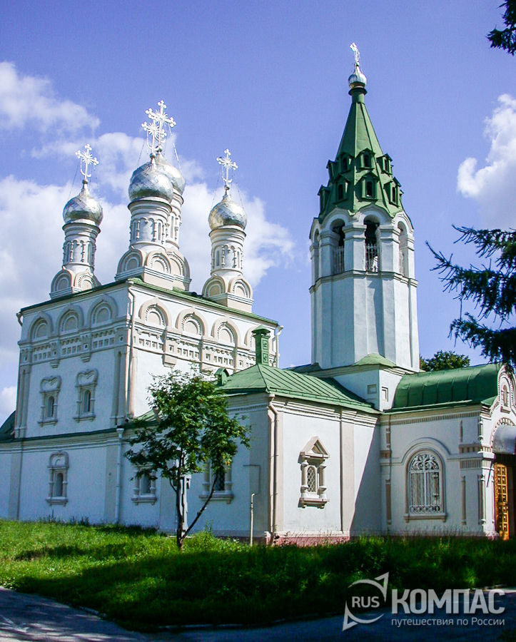 Церковь Спаса на Яру с колокольней