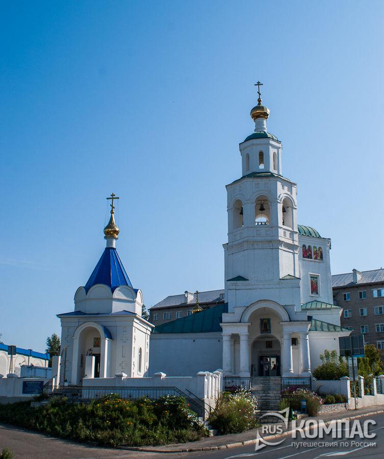 Церковь Параскевы (Пятницы) Великомученицы с часовней иконы Божией Матери Всецарицы