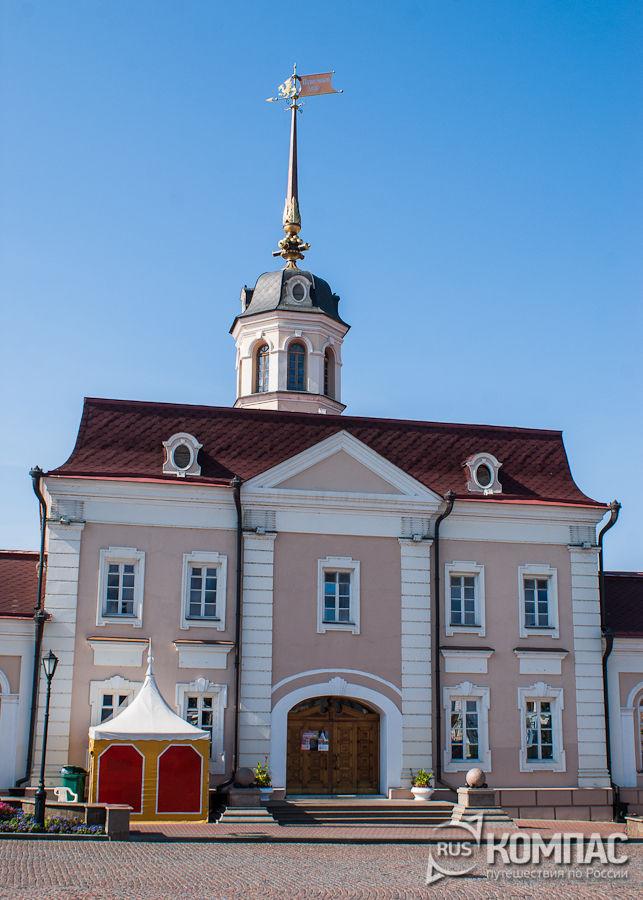 Главный корпус Артиллерийского двора