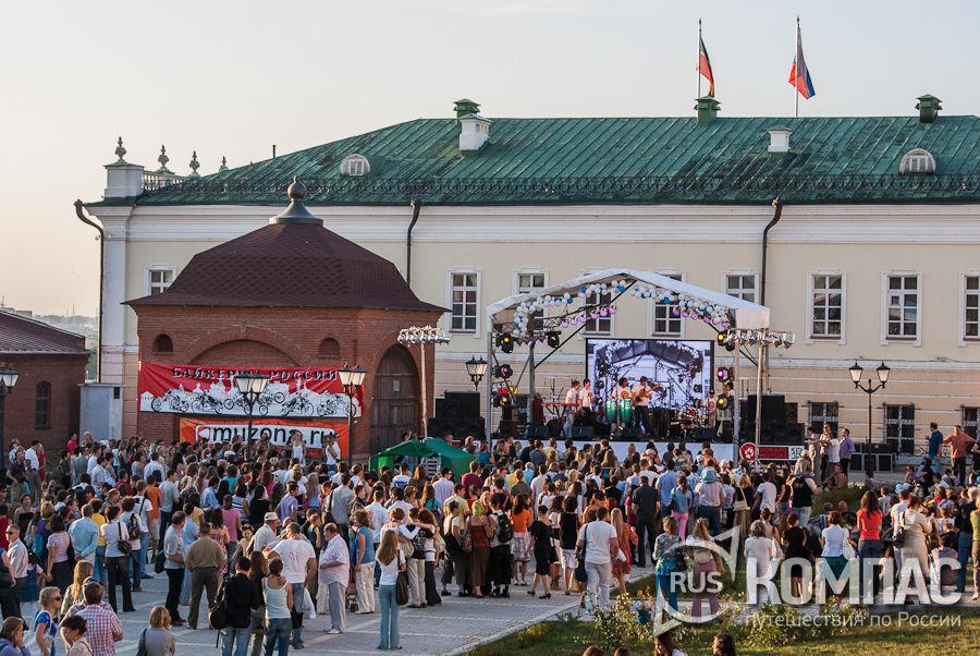 Музыкальный фестиваль на территории кремля