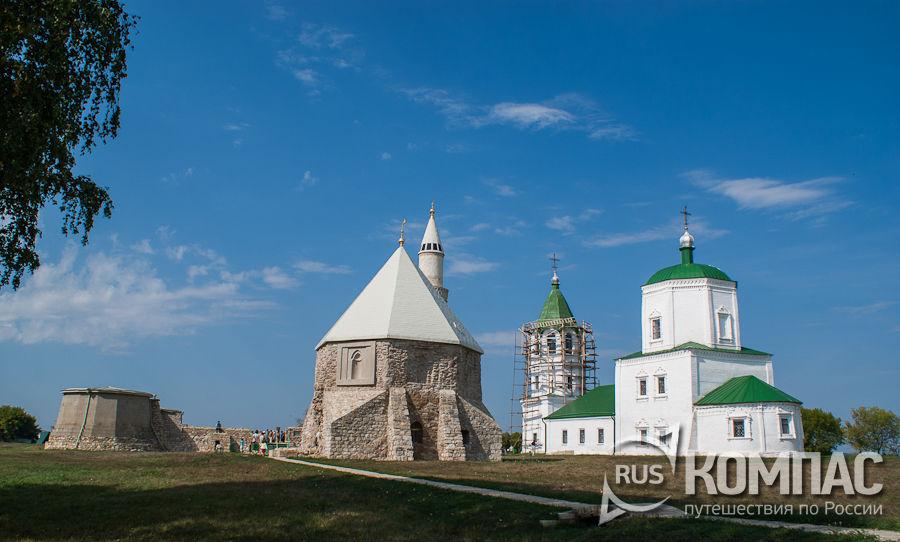 Панорама Соборной мечети, Большого минарета, Восточного мавзолея, Успеской церкви и угловой башни