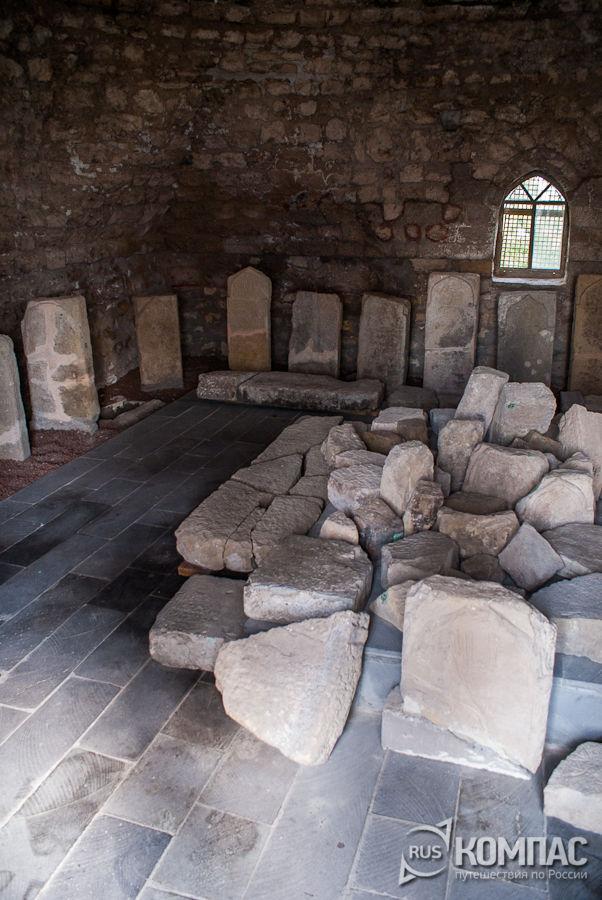 Надгробные памятники в Северном мавзолее