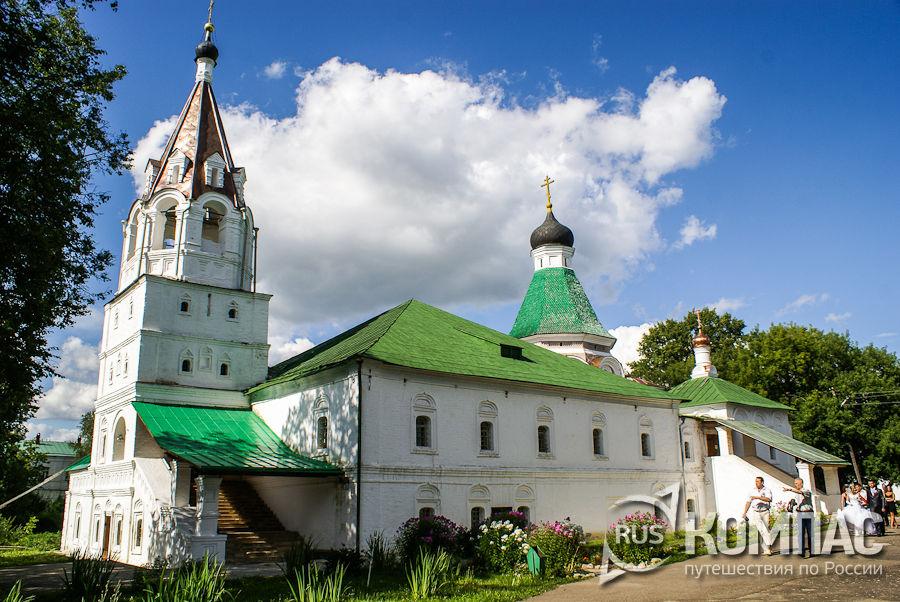 Покровская церковь Свято-Успенского монастыря