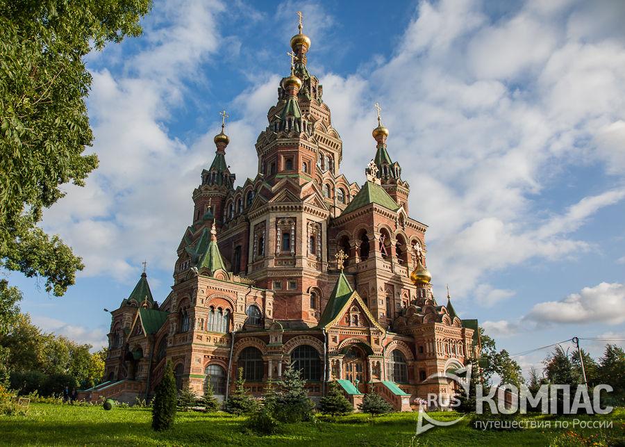 Собор Петра и Павла со стороны Санкт-Петербургского проспекта