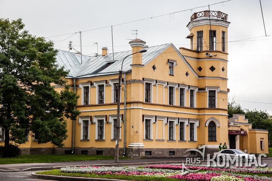 Здание усадьбы Трувеллера
