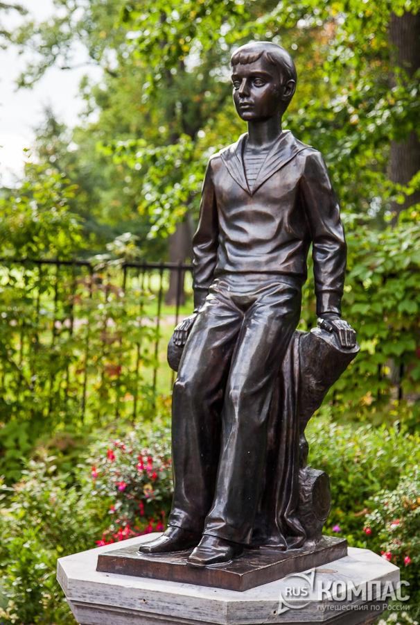 Скульптура Цесаревича Алексея
