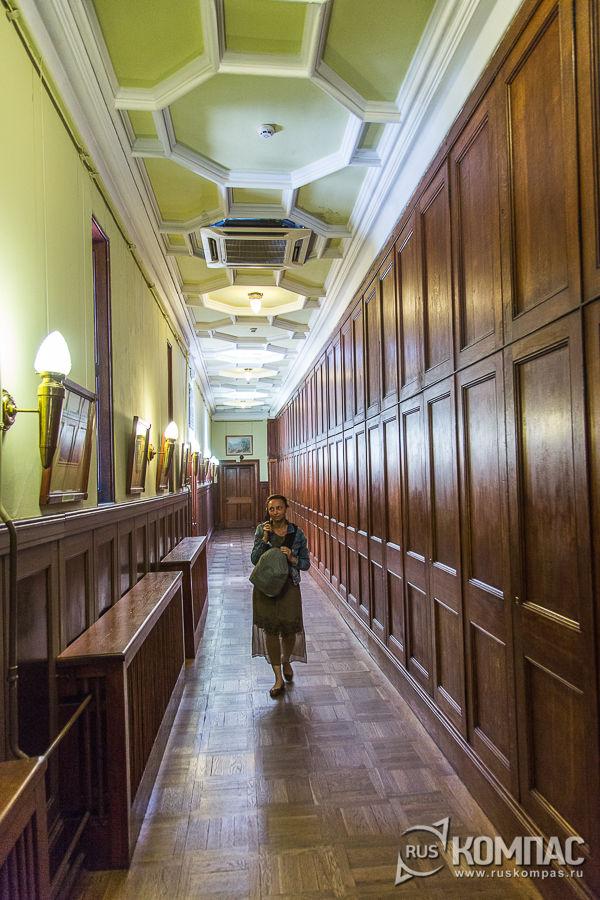 Дворцовый коридор