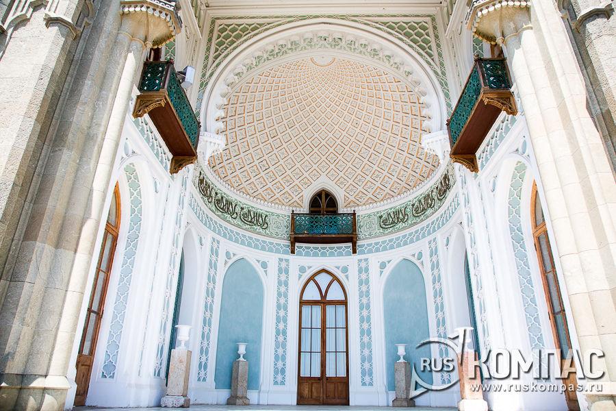 Арка южного фасада Воронцовского дворца