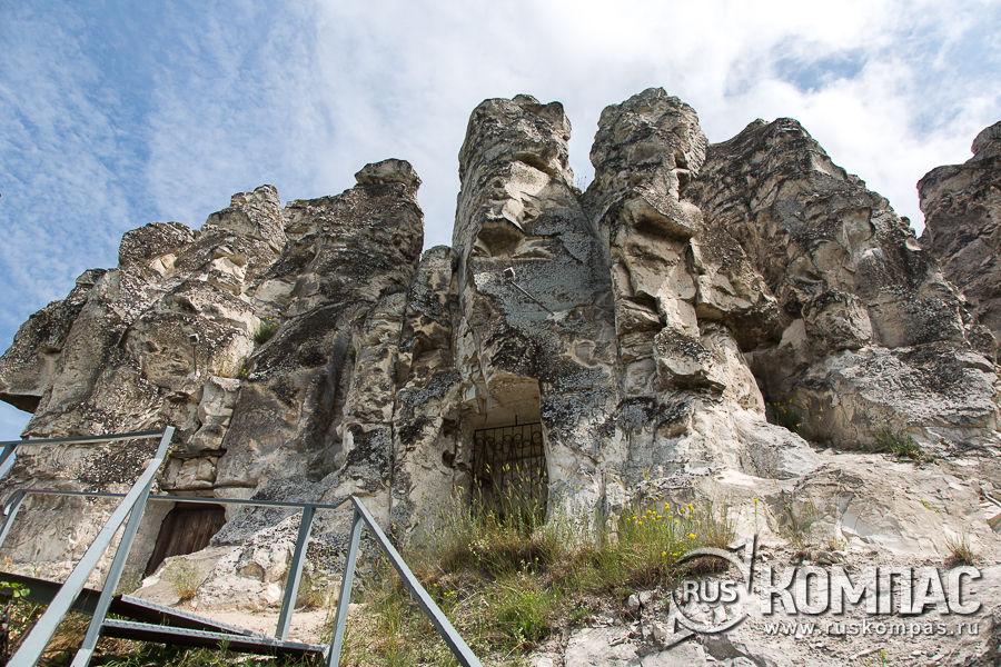 Пещерный храм Сицилийской иконы Божьей Матери в Больших Дивах