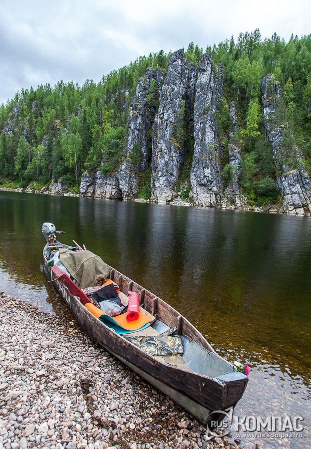 Скала Лёкиз (Плохой камень) на берегу реки Илыч