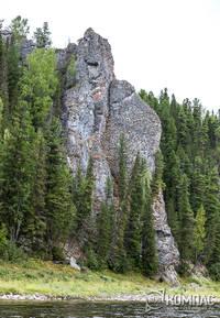 Скалы по берегу реки Илыч