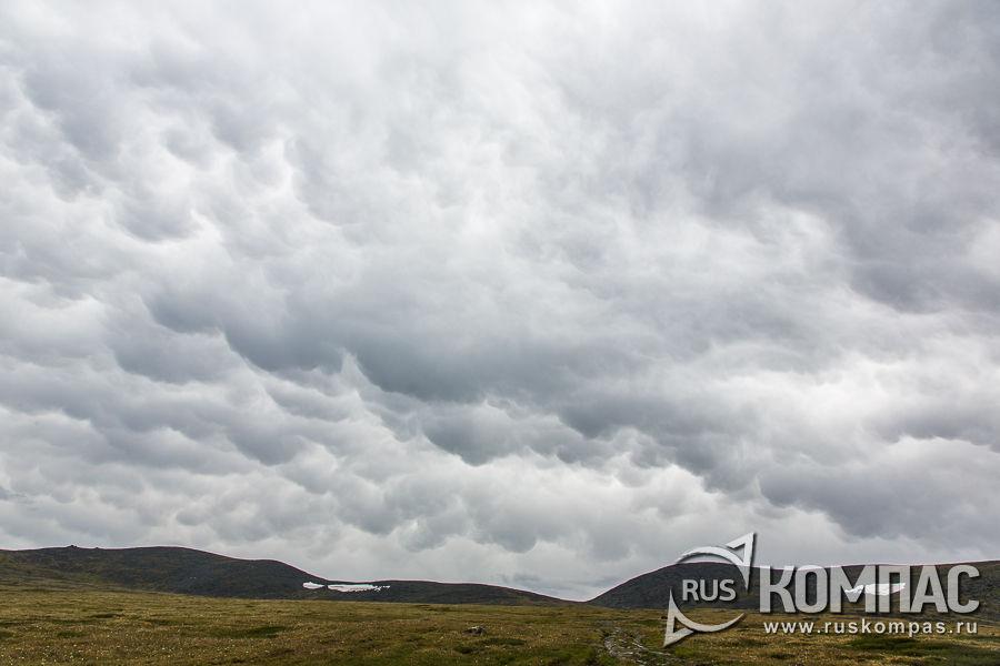 Облака с градом на перевале Бугымуиз