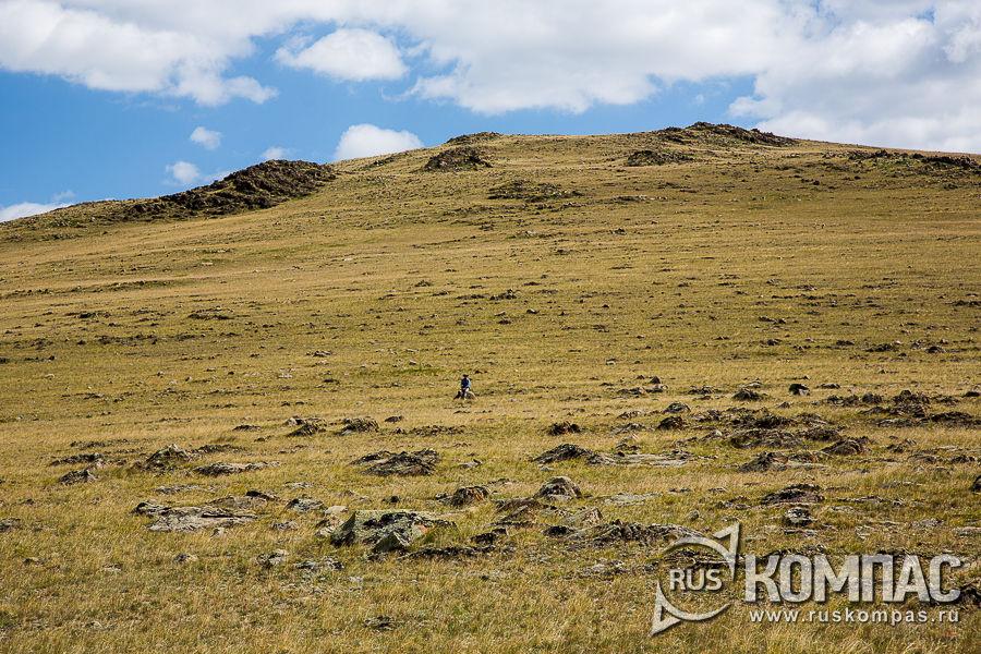 Холмистая степь в долине реки Аргамджи