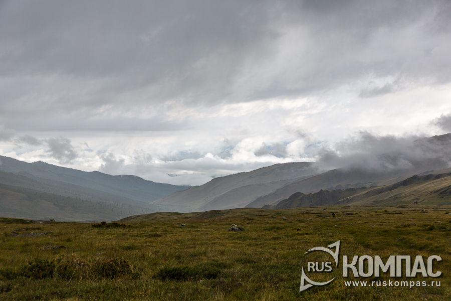 Дождевые облака на перевале Бугымуиз