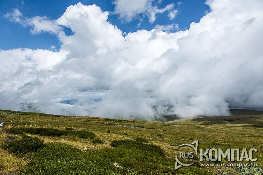 Облака на перевале Бугымуиз