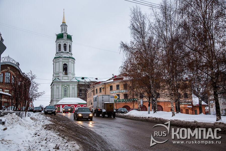 Вид на колокольню Спасского собора с Казанской улицы