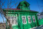 Дом с ажурными наличниками и мезонином (Ленина, 141)
