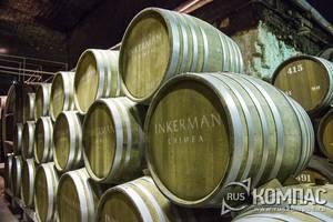 Инкерман: экскурсия в подвалы и дегустация на заводе марочных вин