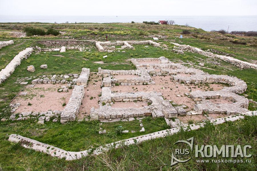 Пятиапсидный храм