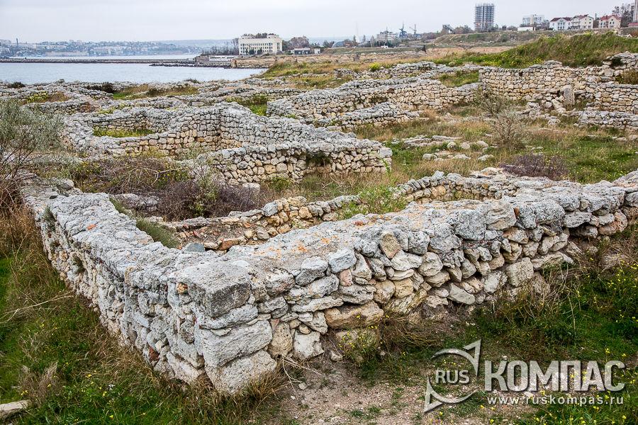 Улицы кварталов II-III века нашей эры