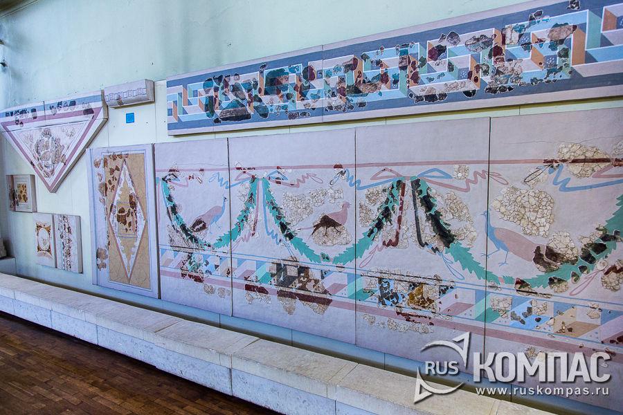 Реконструированные фрагменты росписи в домах Херсонеса