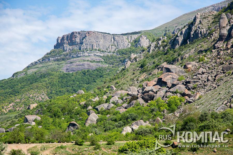 Каменный хаос у подножия Демерджи