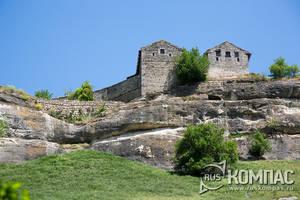 Малая и Большая кенассы - молитвенные дома караимов XIV и XVII века