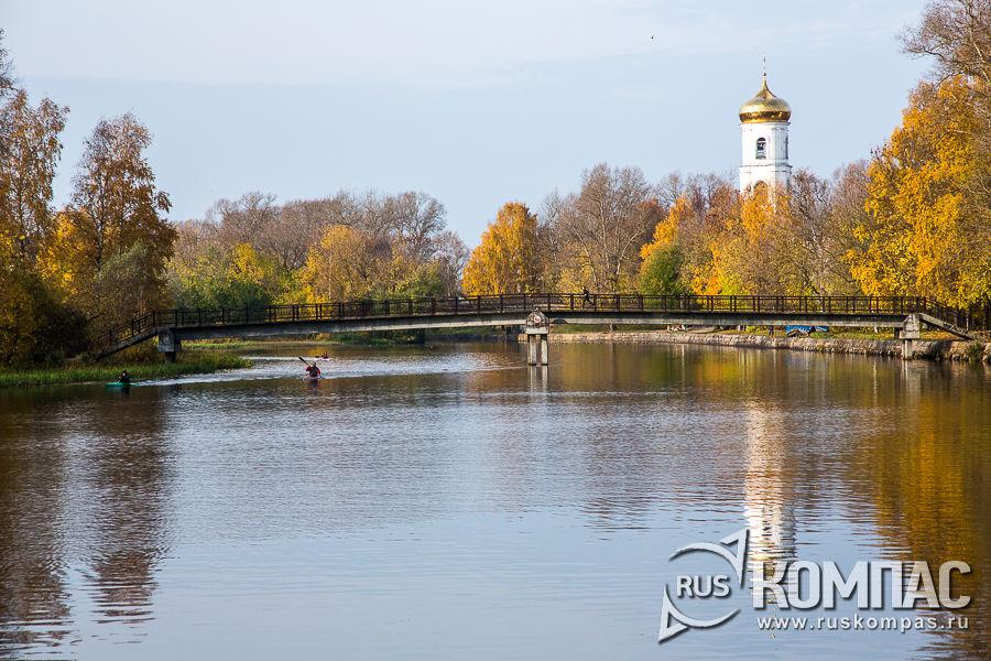 Петербургский мост через Вышневолоцкие каналы и Богоявленский собор