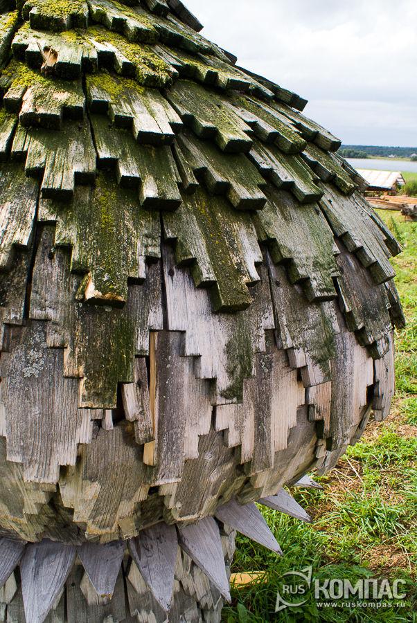 Городчатый лемех маковки Успенской часовни в деревне Васильево