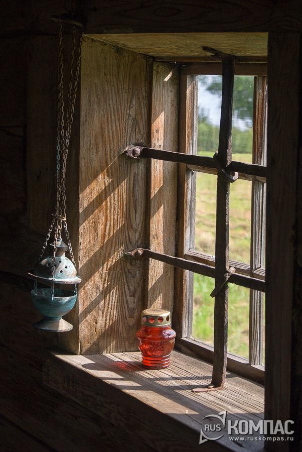 Окно в часовне